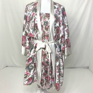 Women's One Size Vintage VS Floral Robe Set